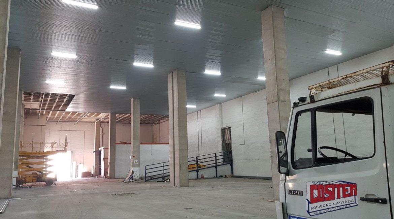 Falso techo de chapa metálica para Nave Industrial